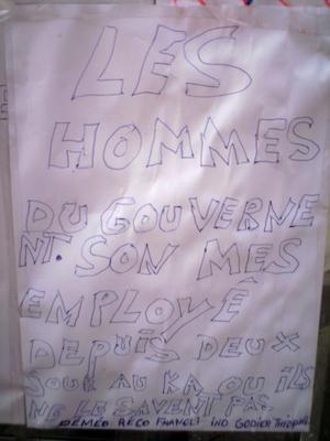sur la cabine téléphonique de la poste rue de la république saint denis avril 2009 -- Cliquez pour voir l'image en entier